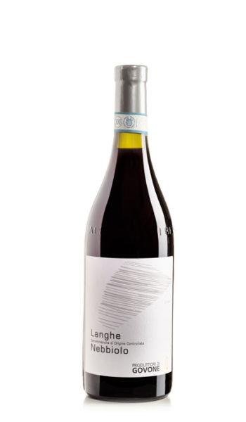 bottiglia di vin rosso nebbiolo d'alba